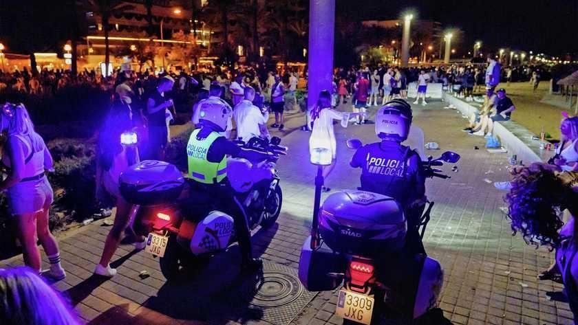 Twee verdachten die betrokken waren bij de fatale knokpartij op Mallorca hebben zich gemeld bij politie
