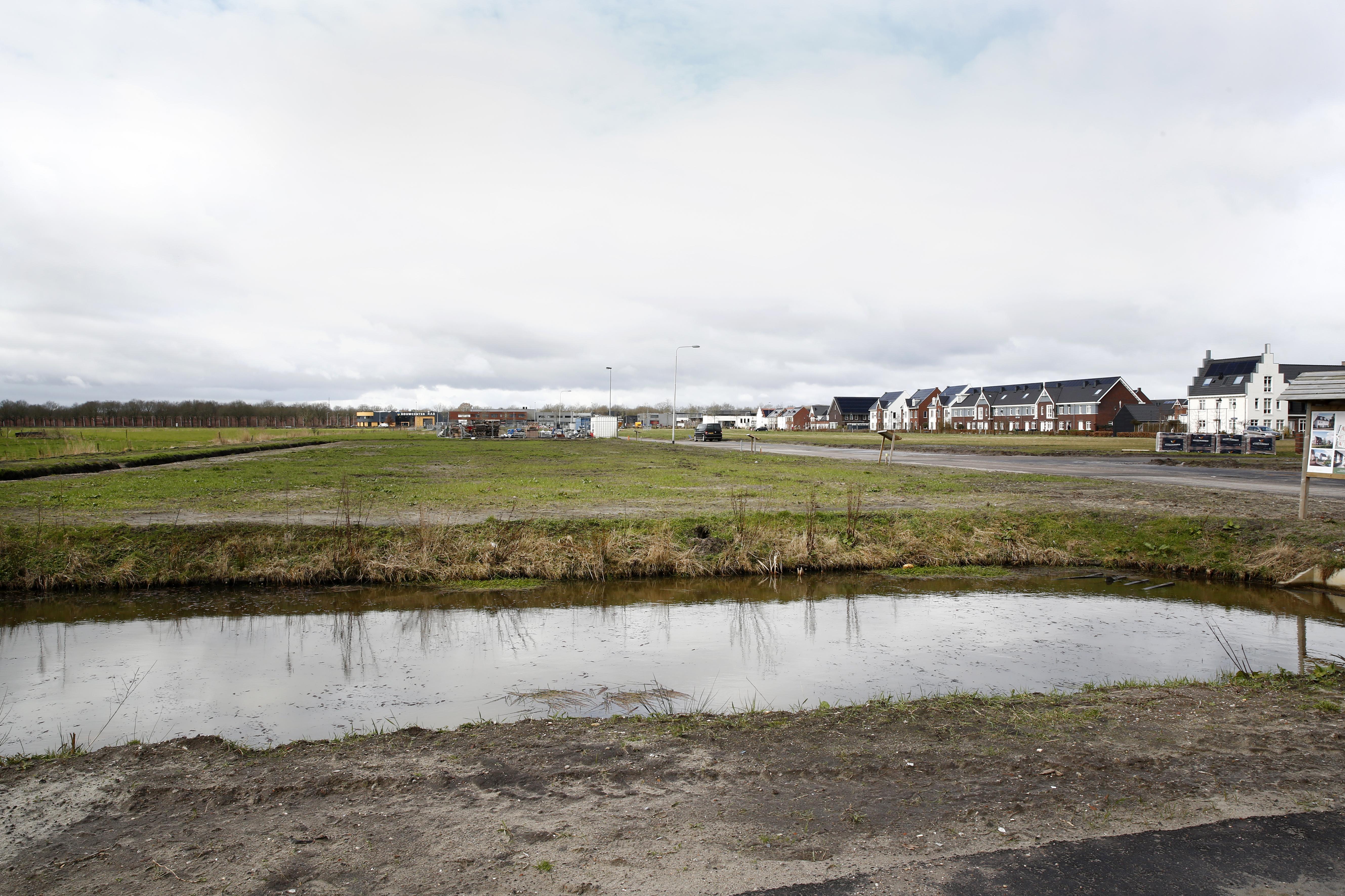 Eemnes koopt voor acht miljoen grond in Zuidpolder; 'Nu kunnen wij, wat er ook gebeurt, tot 2040 voldoen aan de woonbehoeften inwoners'