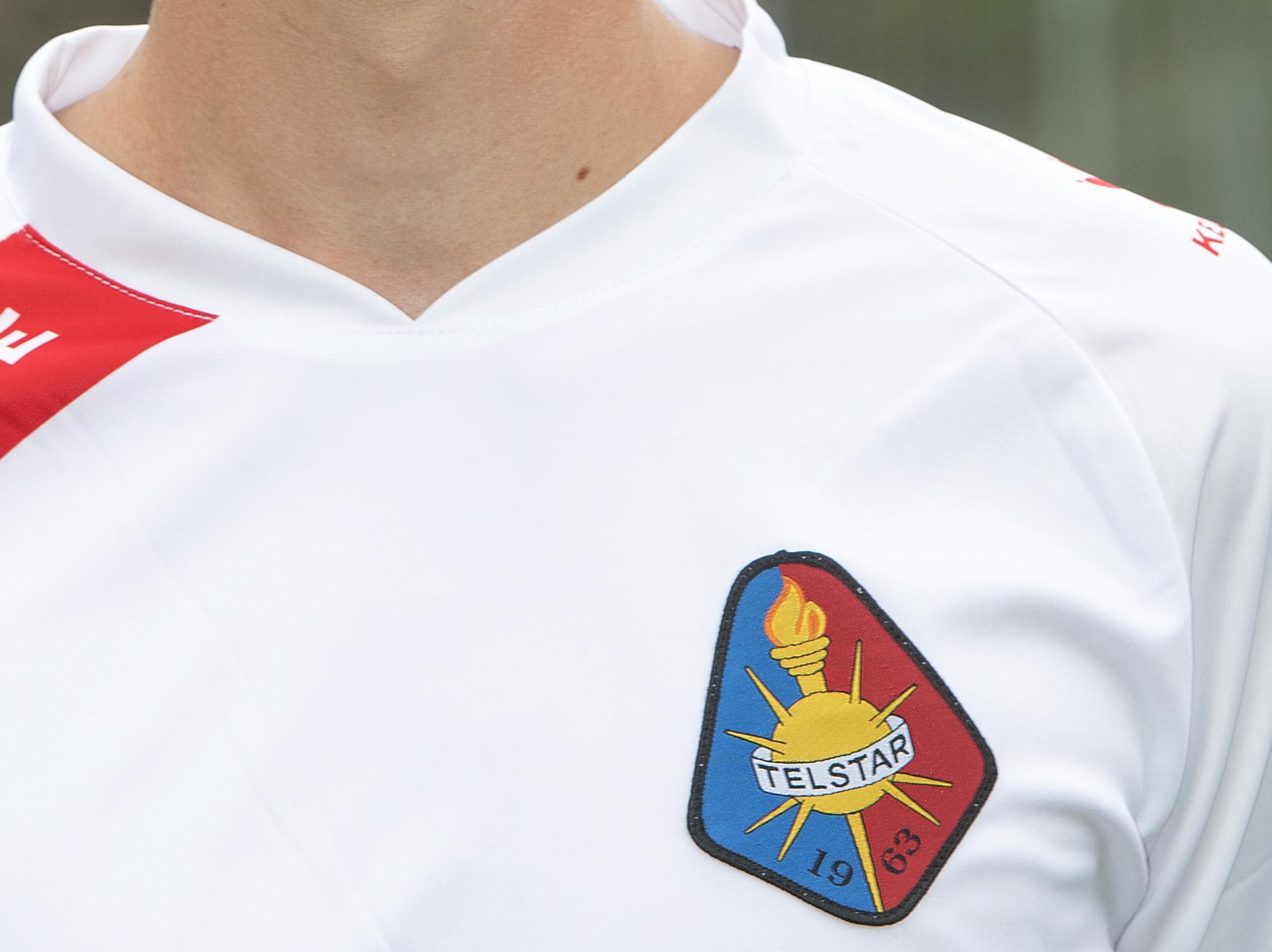 Telstar wint op verjaardag van trainer Andries Jonker met 2-1 van Excelsior door late goal Yaël Liesdek