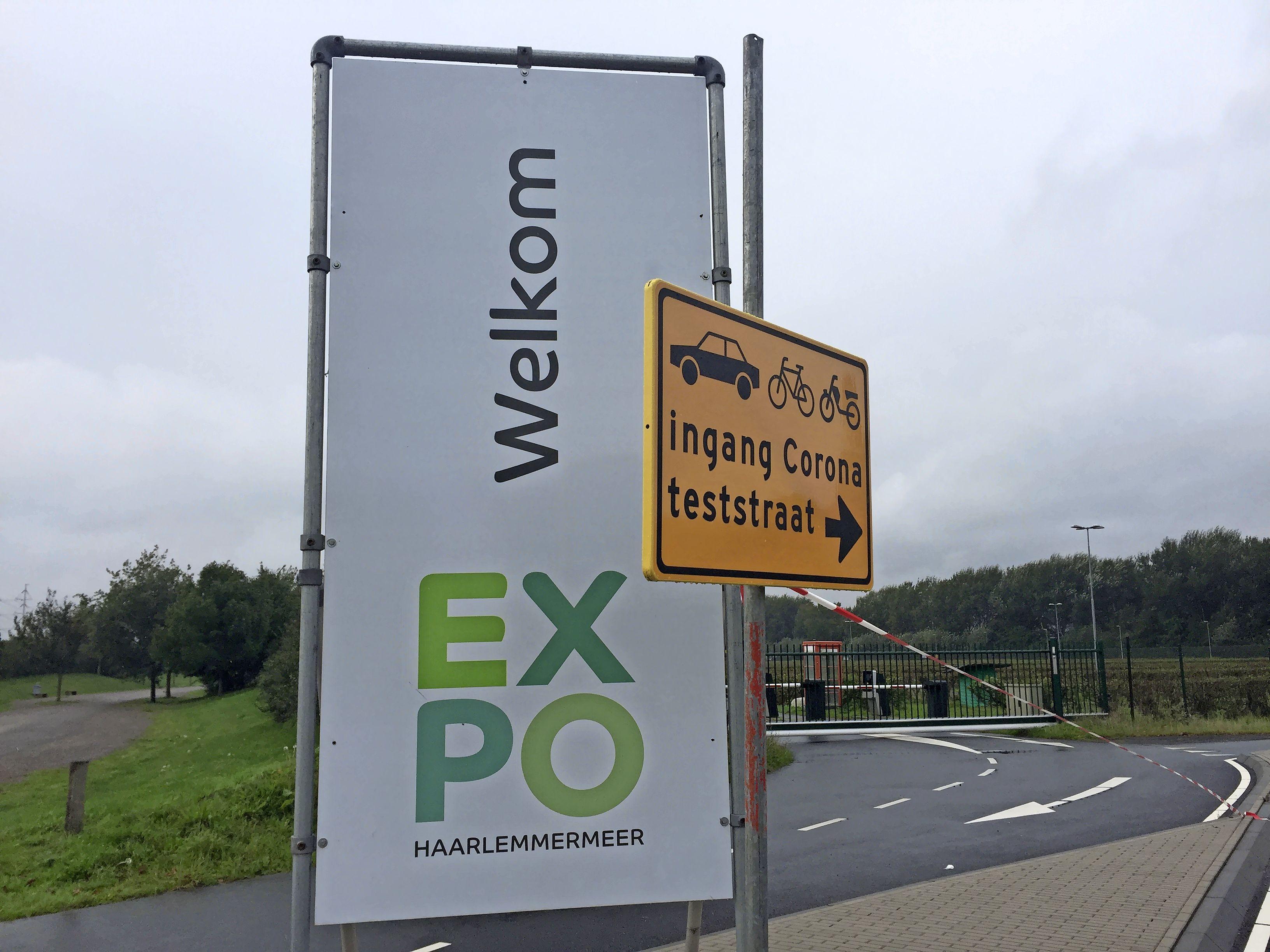 Coronateststraat Expohal in Vijfhuizen wordt een stemstraat: drive in voor kiezers