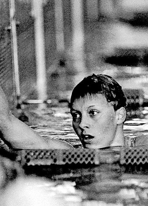 Hilversumse Reggie de Jong had meer uit haar zwemcarrière kunnen halen, maar had de pech dat sporters uit het Oostblok die doping gebruikten harder gingen: 'Die vrouwen zagen er bijzonder uit, dat zag ik wel'