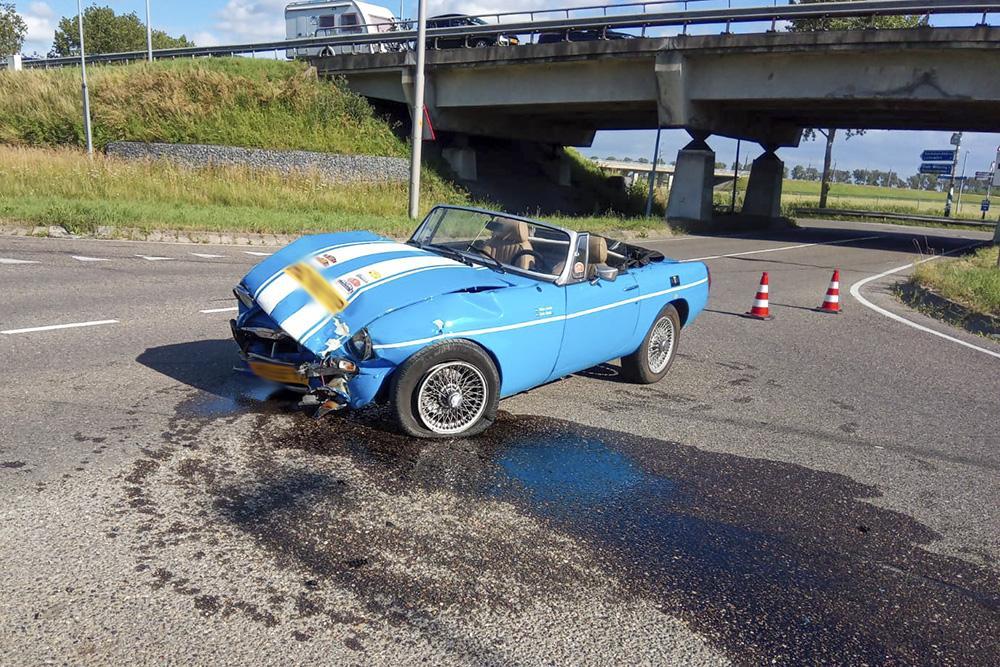 Gewonde bij ongeval op afrit A44 bij Abbenes