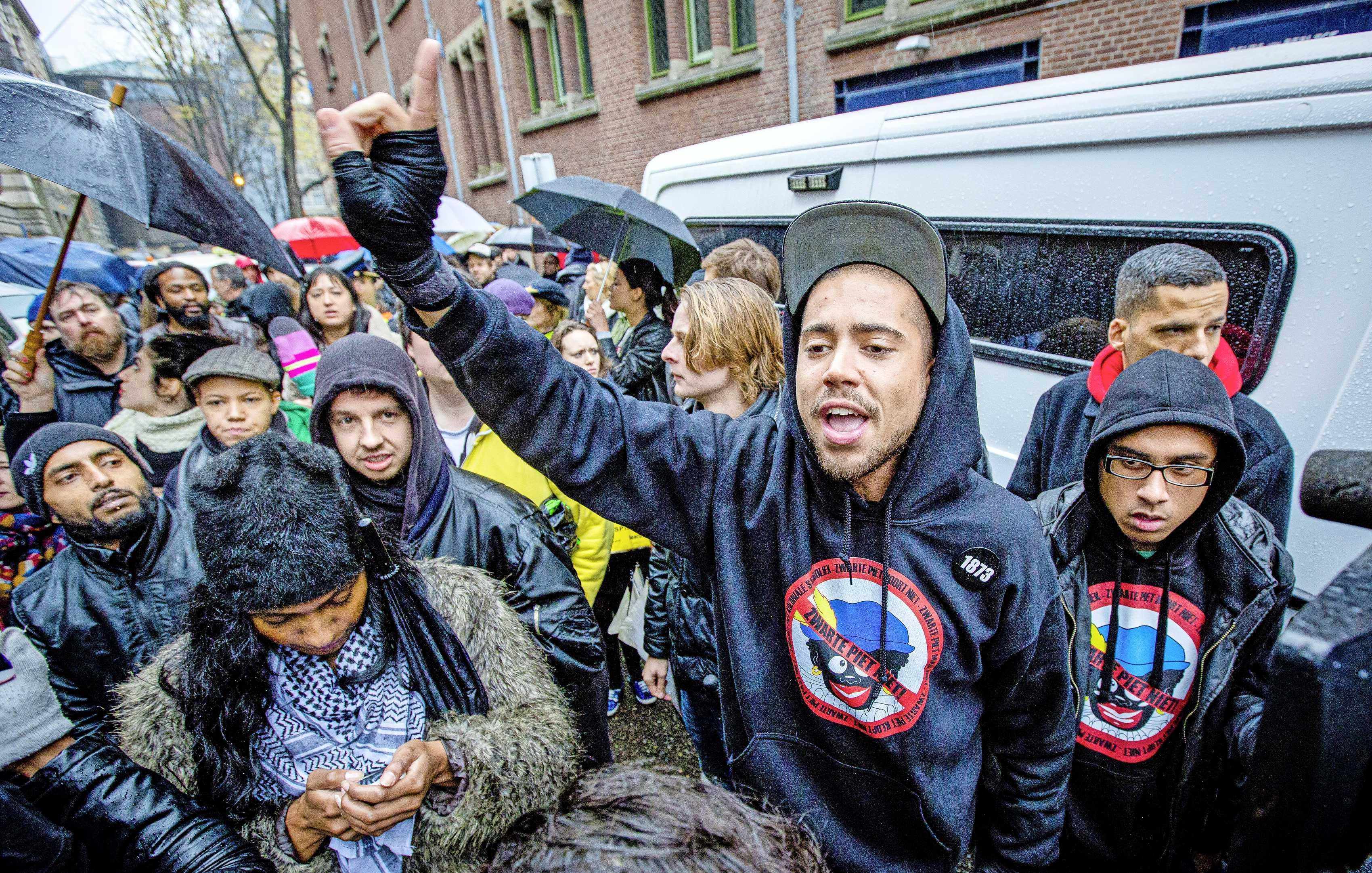 Stadsdichter Haarlem door burgemeester en wethouders afgezet. Insayno vindt dat titel hem is afgepakt