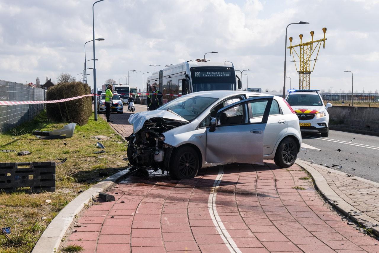 Twee gewonden bij auto-ongeluk in Rozenburg