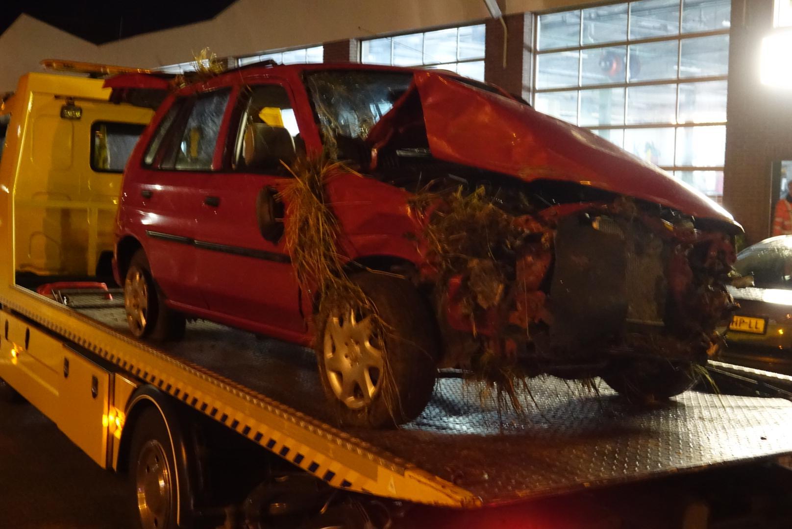 Traumaheli geland op A7 bij Avenhorn; bestuurder bekneld bij ongeval [update]