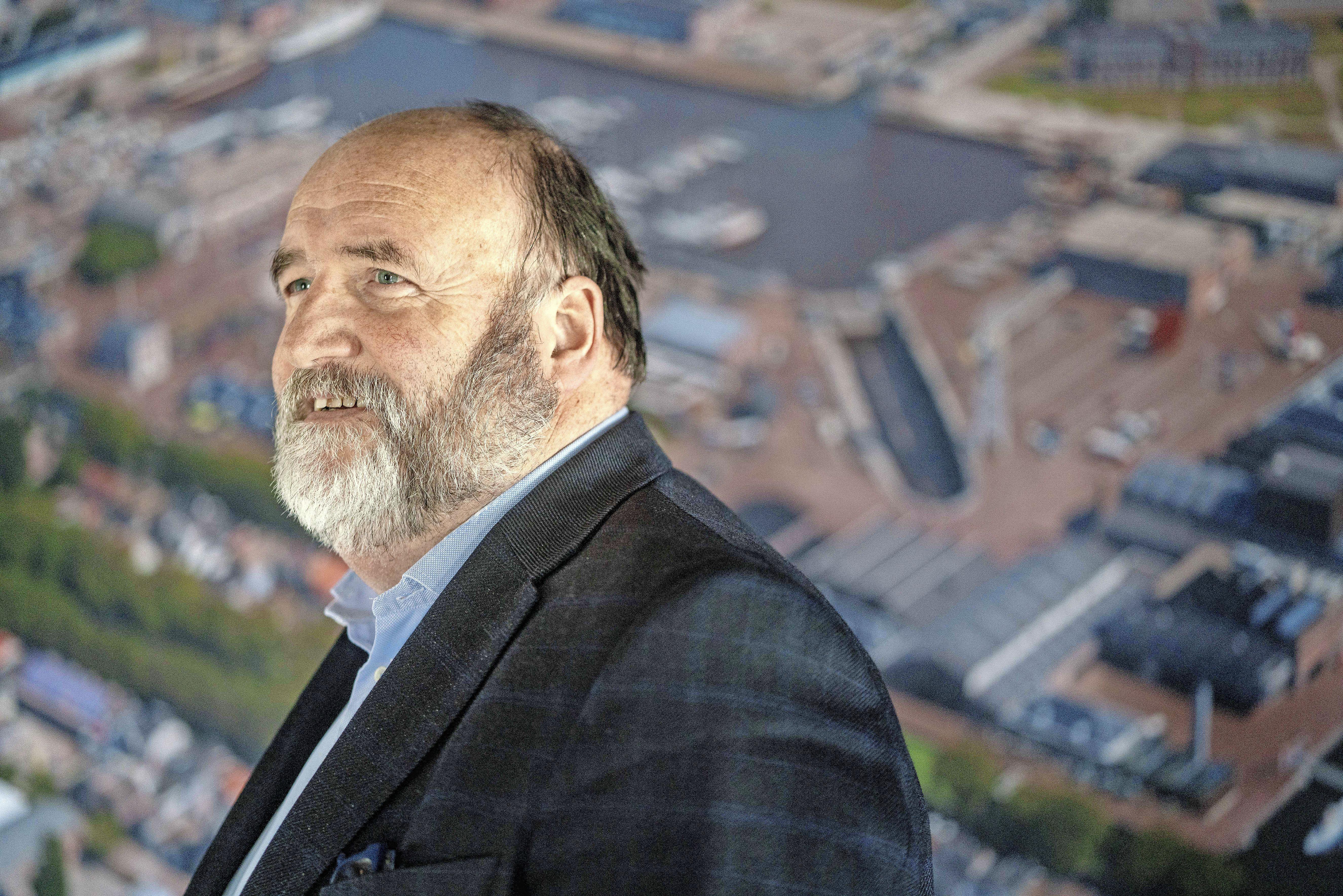 Willemsoord-directeur Hans Broekmeulen heeft weinig op met het niveau van raadsleden in Den Helder. 'Ze stellen vragen die nergens op slaan'