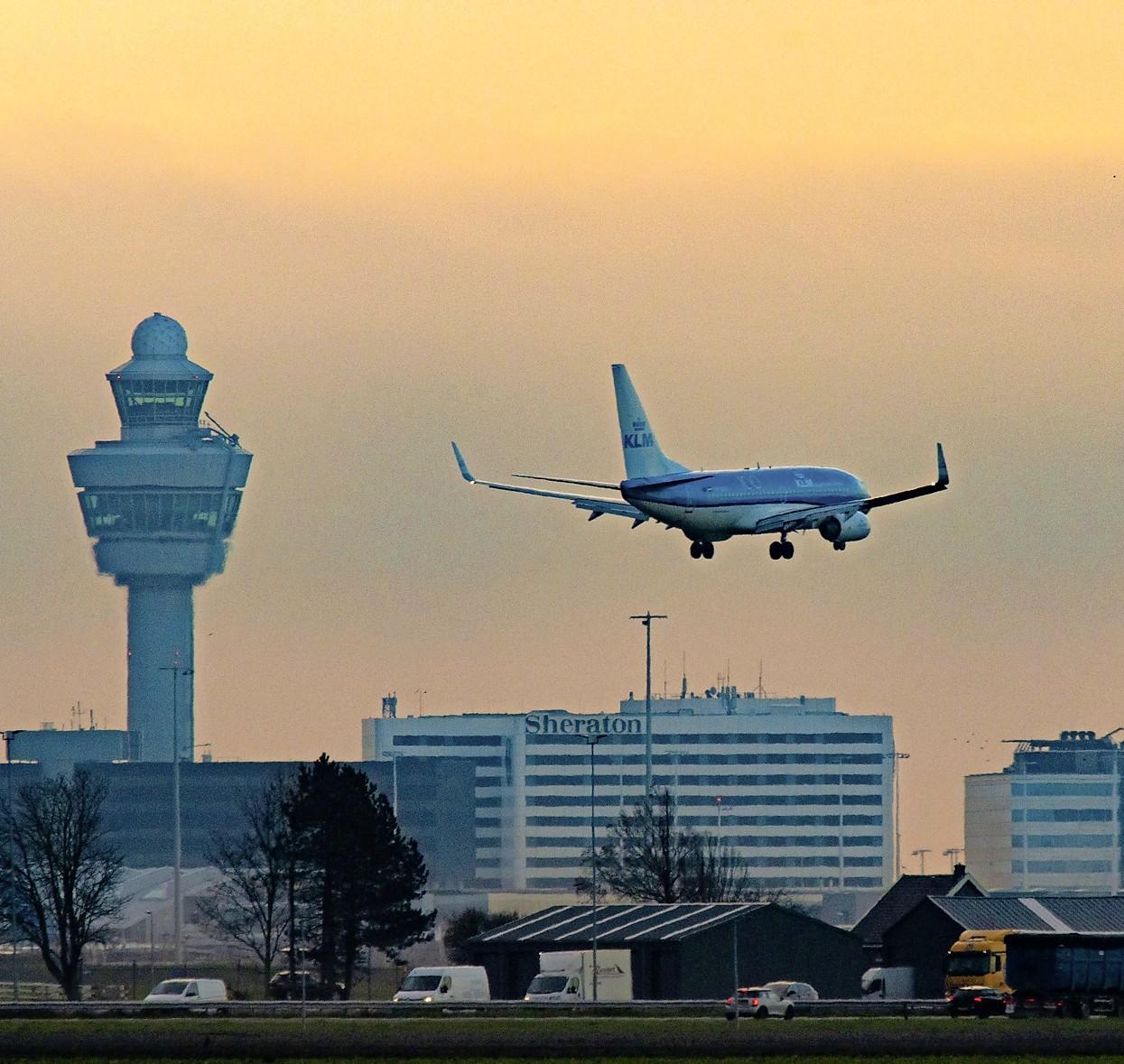 'Minister, geef omwonenden Schiphol onder routes waarop het luchtverkeer zich gaat concentreren financiële compensatie'