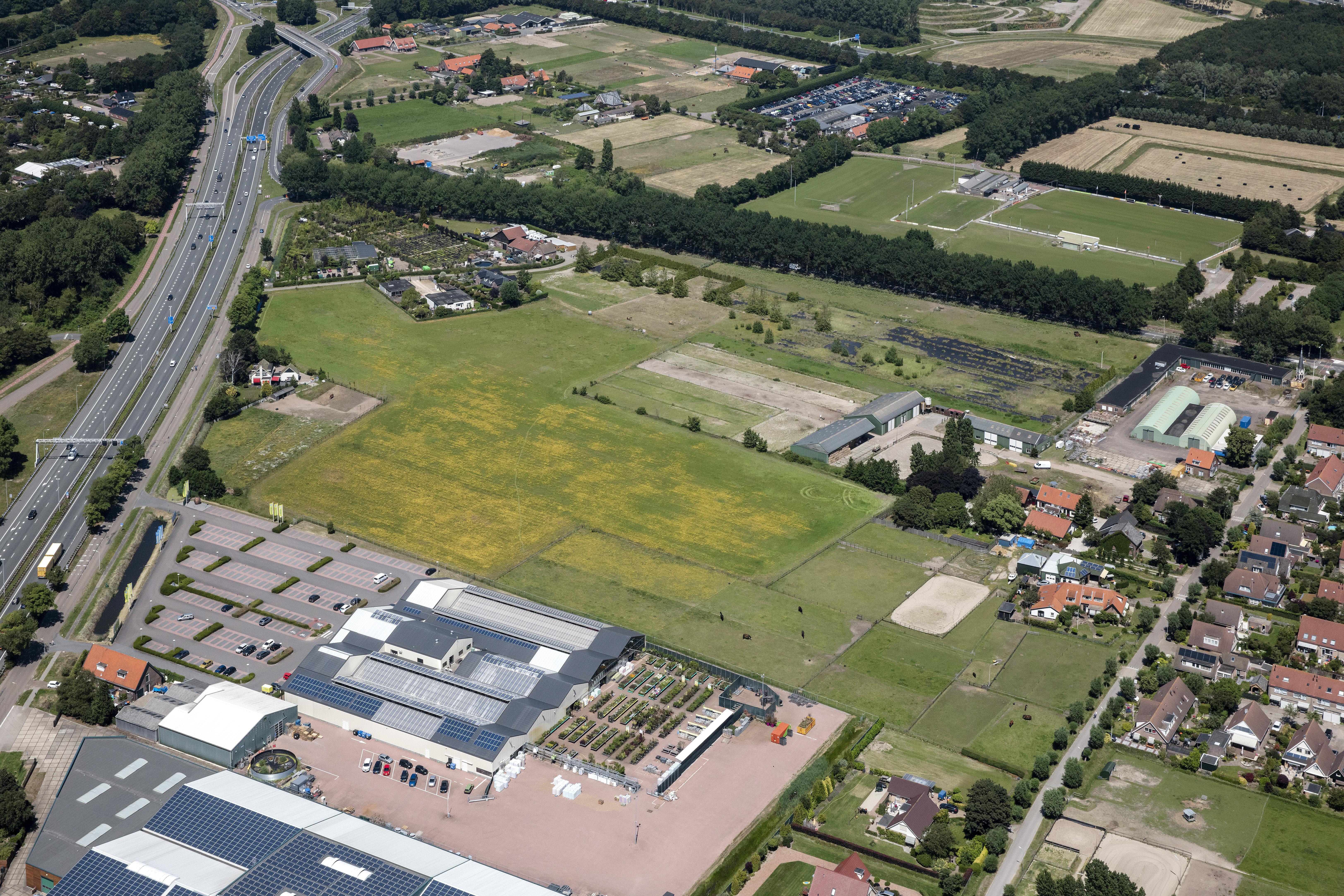 Buren krijgen hun zin; nieuwe weg en rotonde leiden naar toekomstig sportpark langs A22