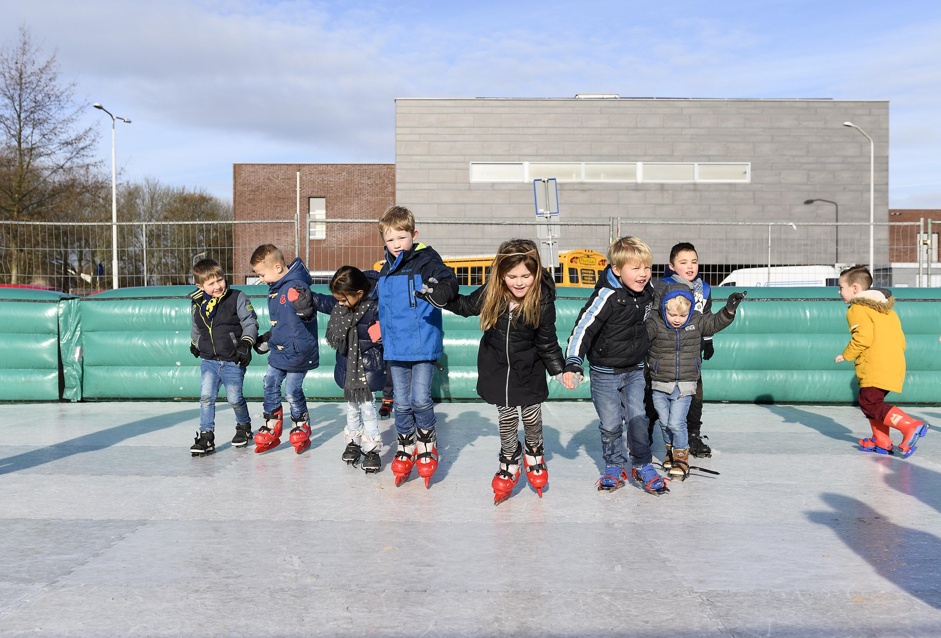 Scholen Koog aan de Zaan leggen schaatsbaan aan
