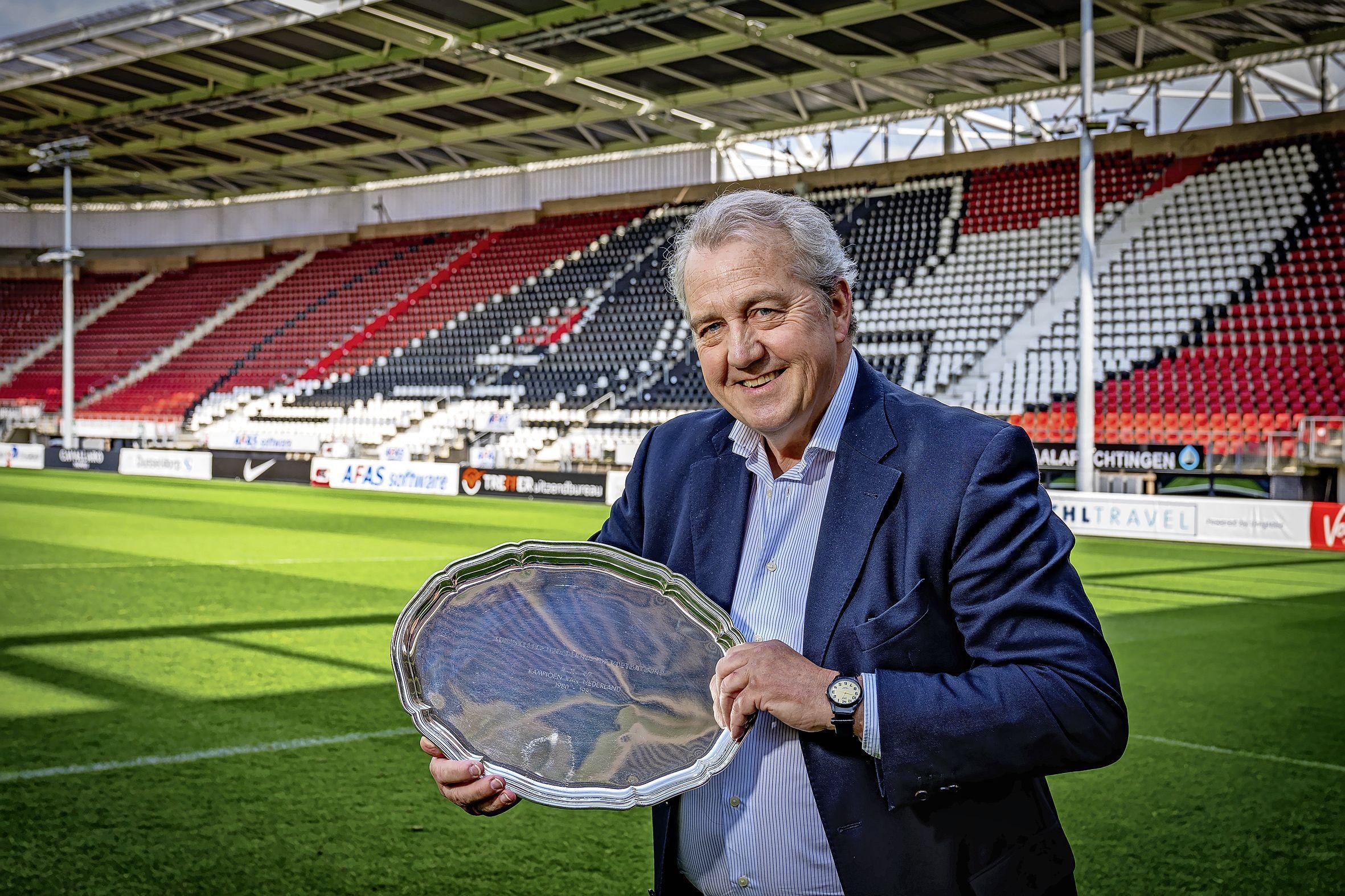 'Hééé, jochie, ben je weer effe thuisgekomen?' zeggen oud-spelers van AZ als ze Klaas Molenaar jr, opgegroeid in het Gooi, in het stadion zien