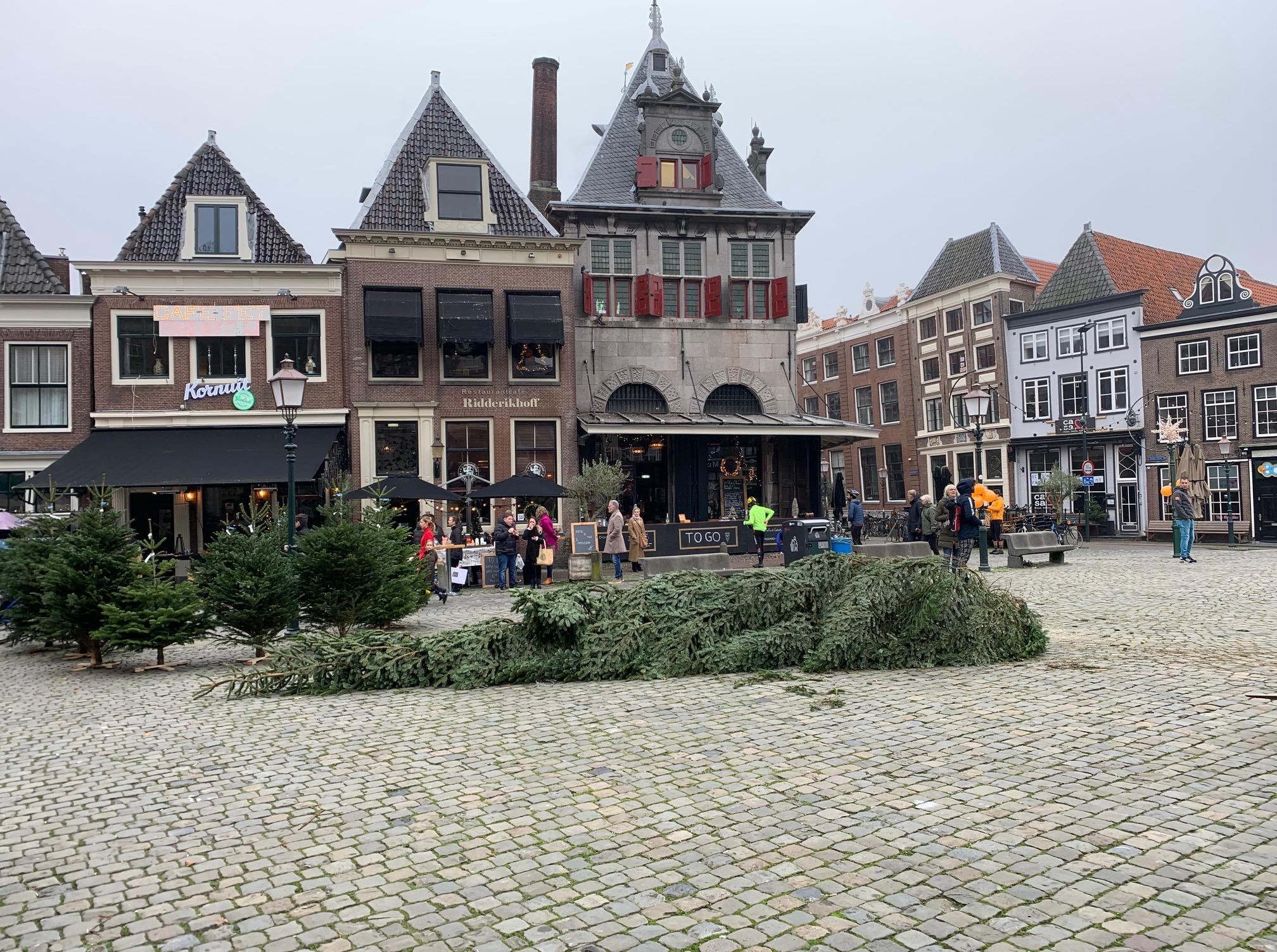 Hoogwerker voor reuze kerstboom in Hoorn gestolen