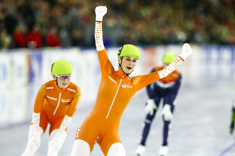 Schaatsster Irene Schouten blijft kampioen op massastart