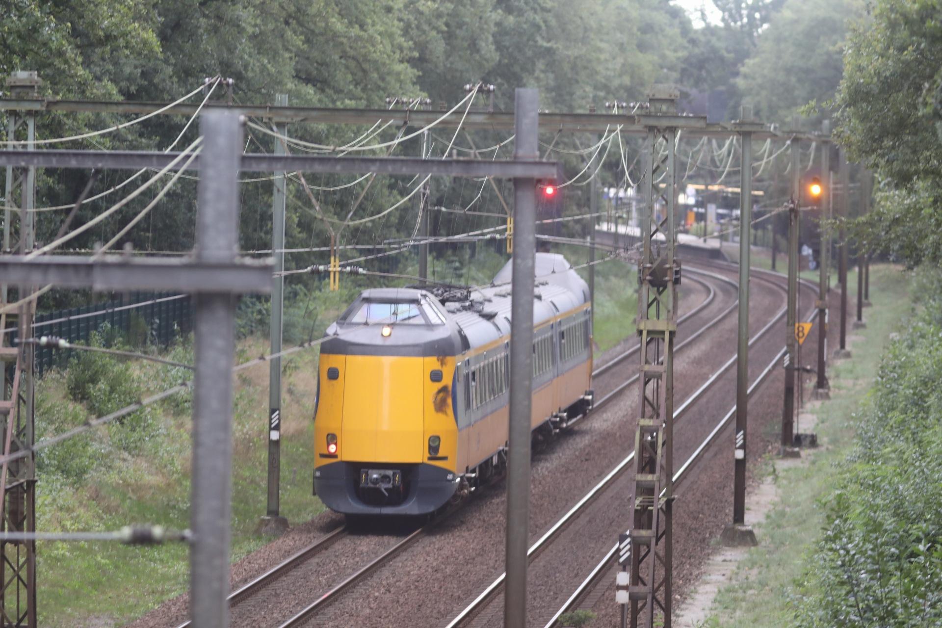Trein richting Schiphol gestrand bij Hilversum [update]