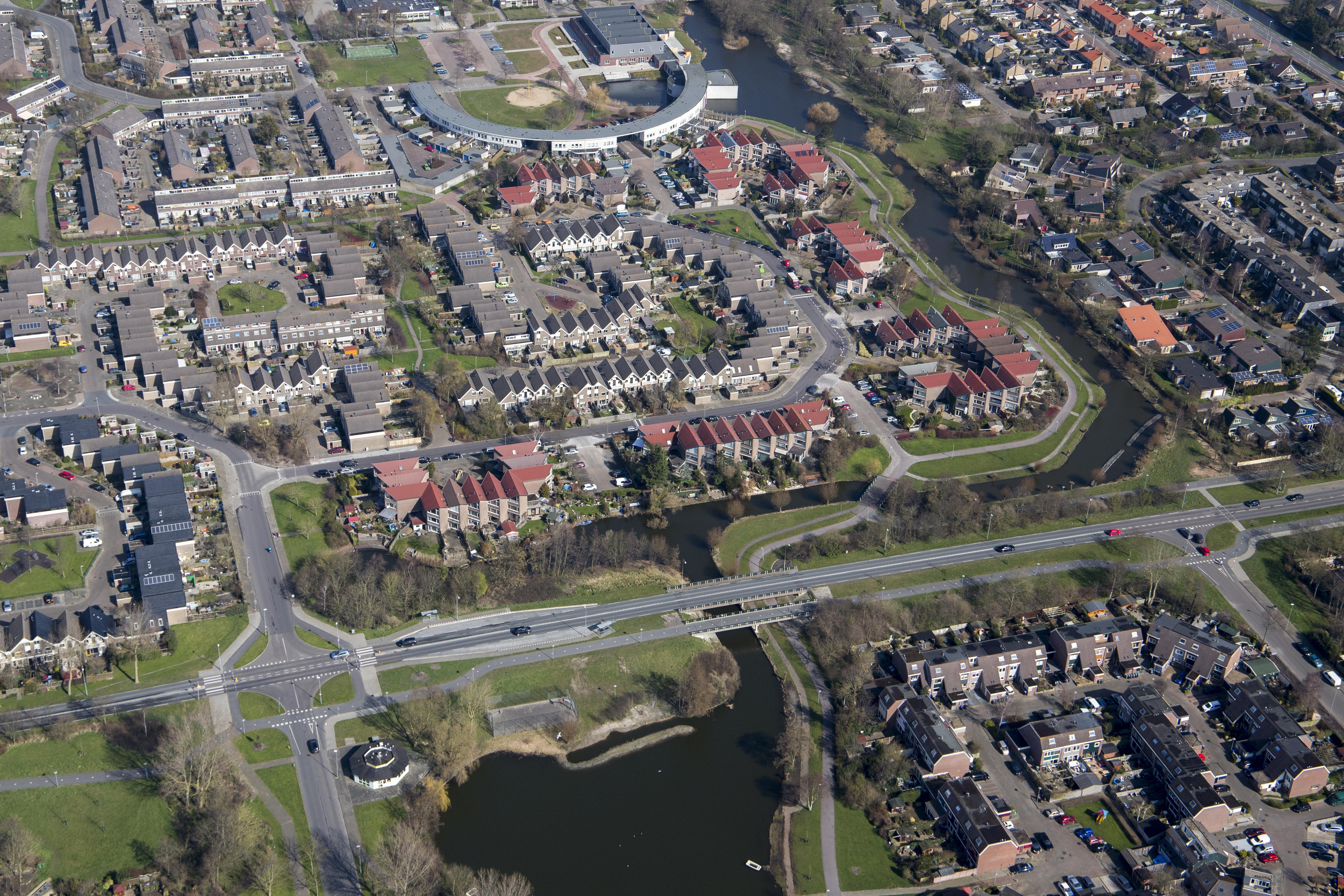 Vaart achter oplossing voor 'in zichzelf gekeerde' bloemkoolwijken in Julianadorp. 'Zonder radicale ingrepen', aldus de Rijksbouwmeester [video]