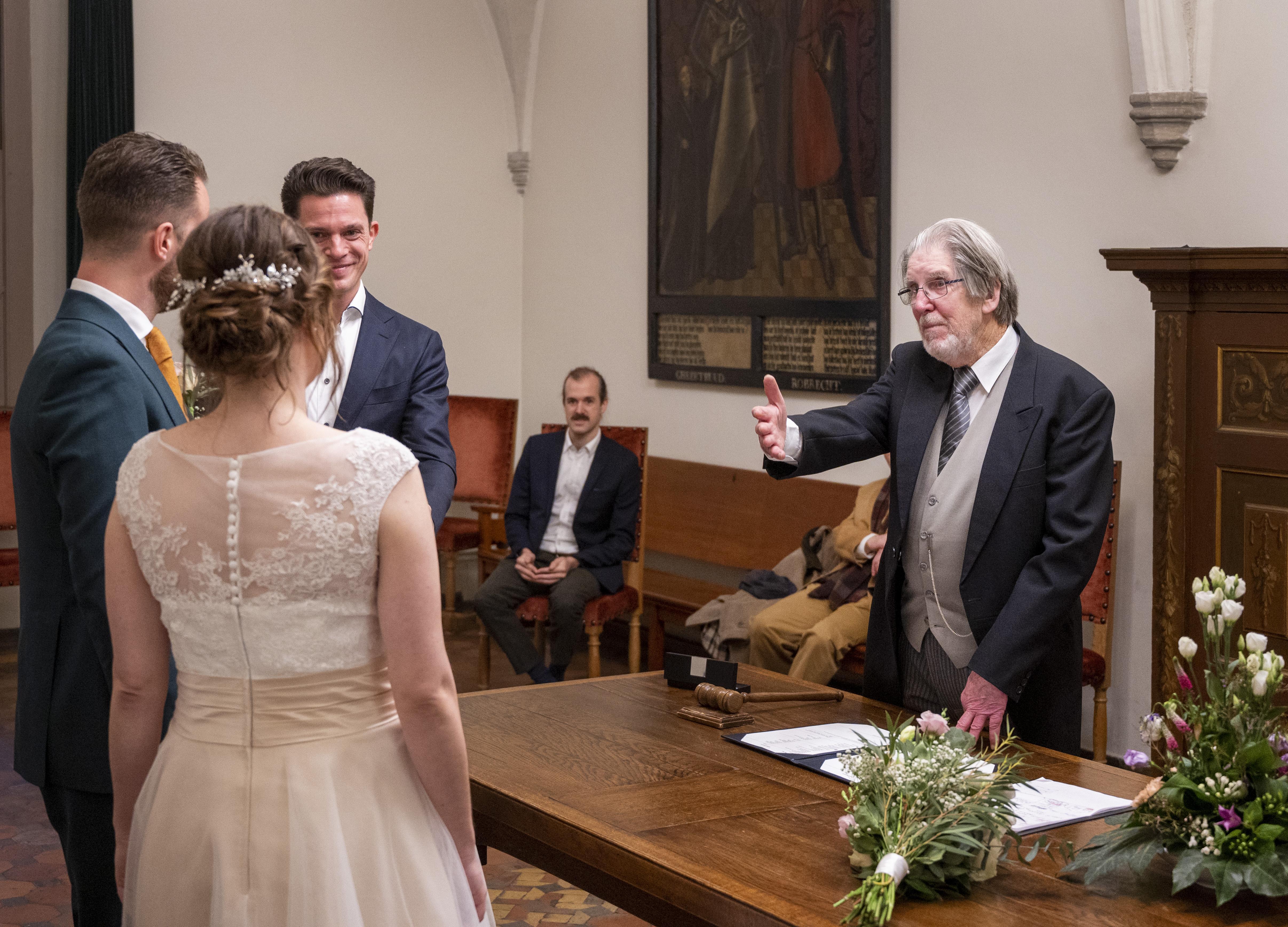 Na 1388 huwelijken vertrekt buitengewoon ambtenaar Lalkens van het toneel. 'Dat theatrale zit in me'