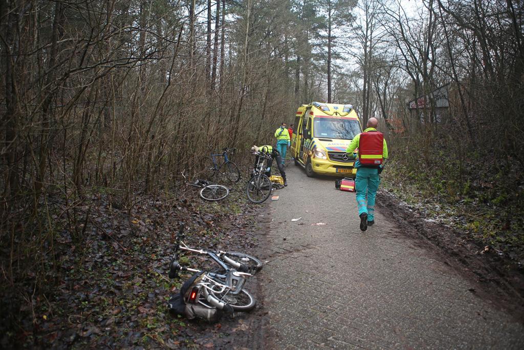 Fietser zwaar gewond bij val in duingebied Overveen, traumahelikopter opgeroepen