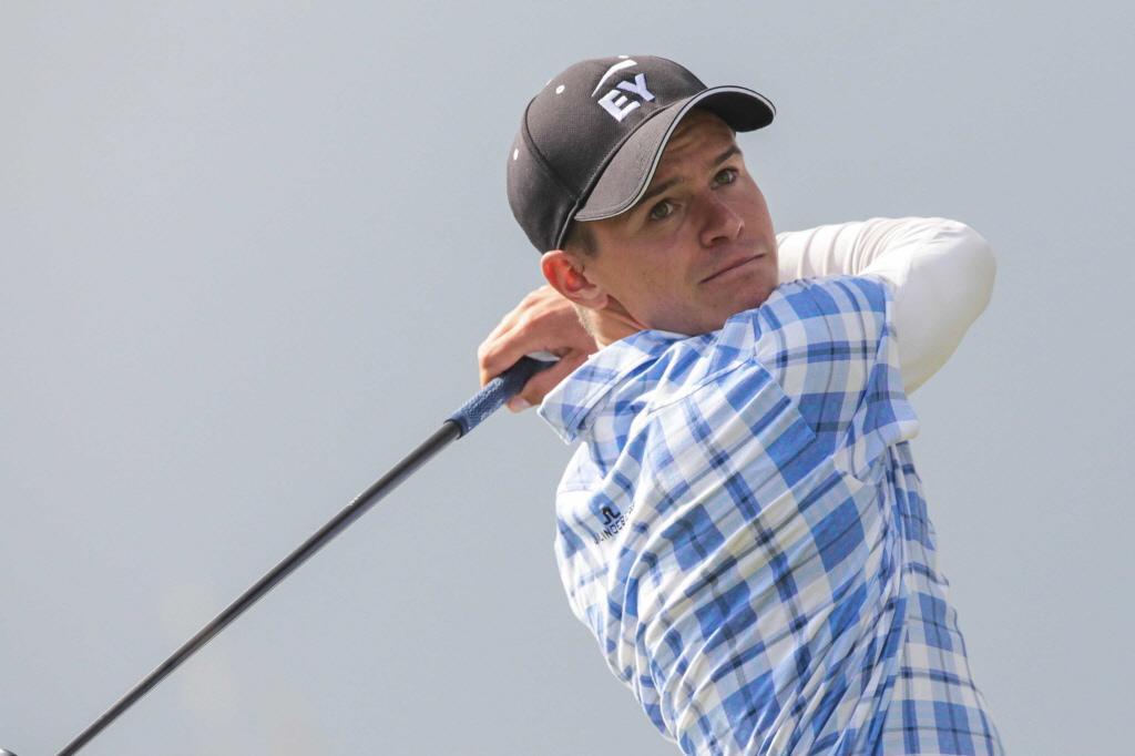 Golfer Huizing uit Soest klimt naar gedeelde 14e positie in Kaapstad