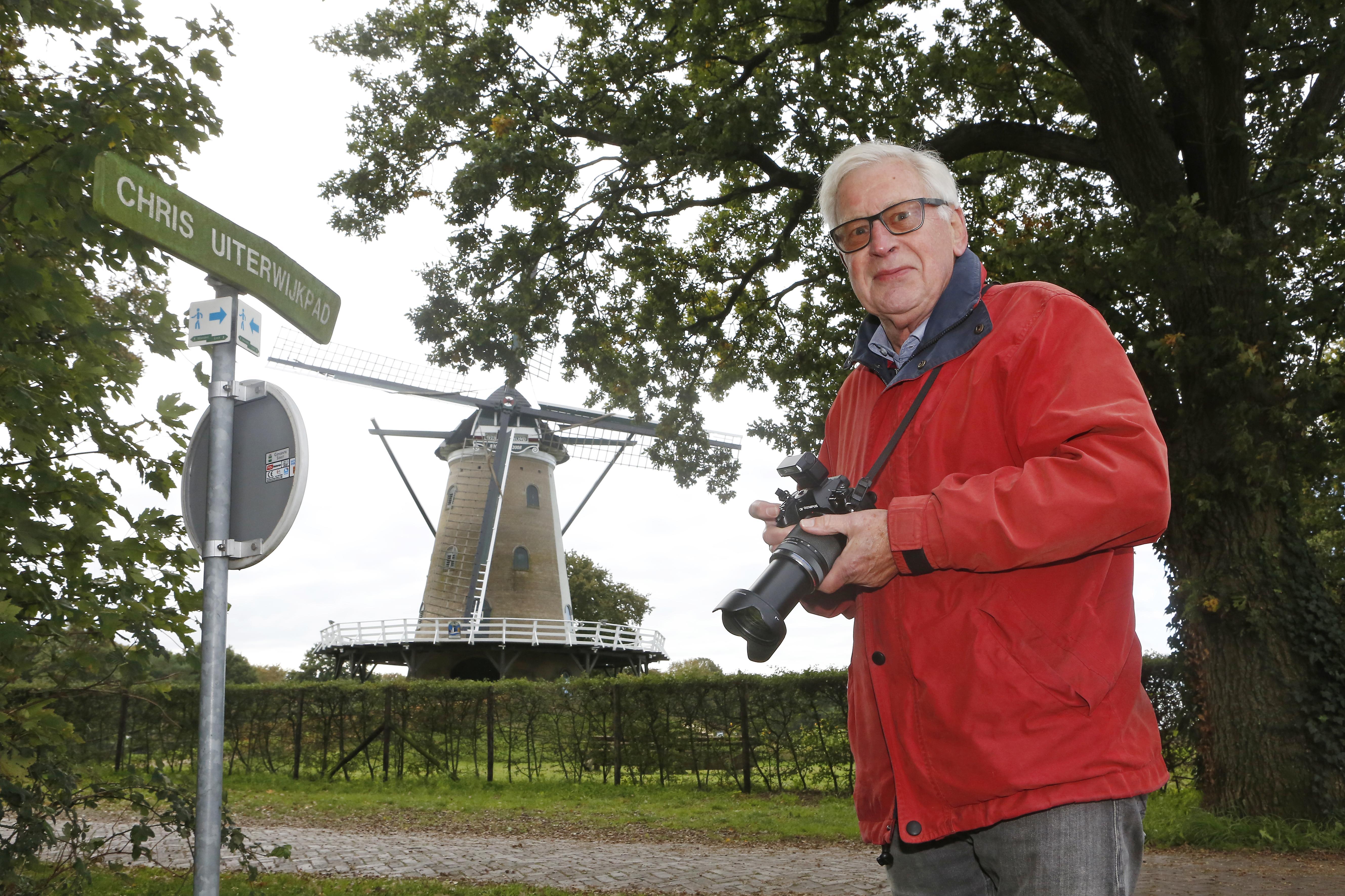 Soester natuurliefhebber Dick Nagelhout speurt naar vlinders en libellen en vindt een bijzondere bladwesp: Ja, het is echt een Arge dimidiata!