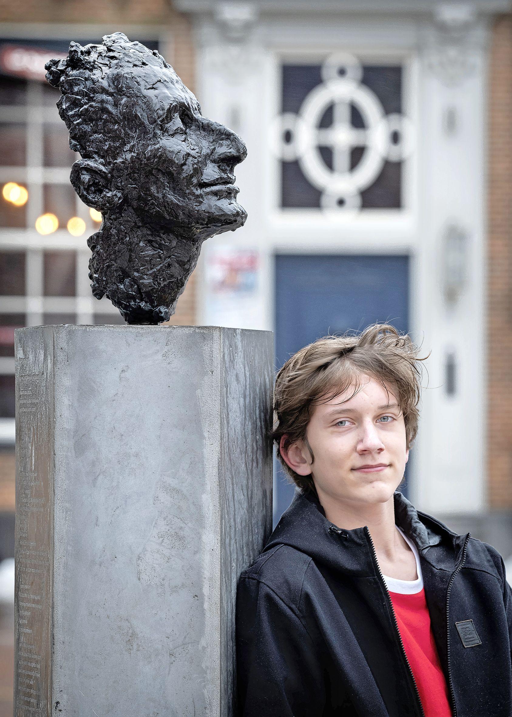 Zestig vertellers bezingen hun stad; Annelies Grabijn en Rein Mul winnen verhalenwedstrijd 'Kijken naar Haarlem'