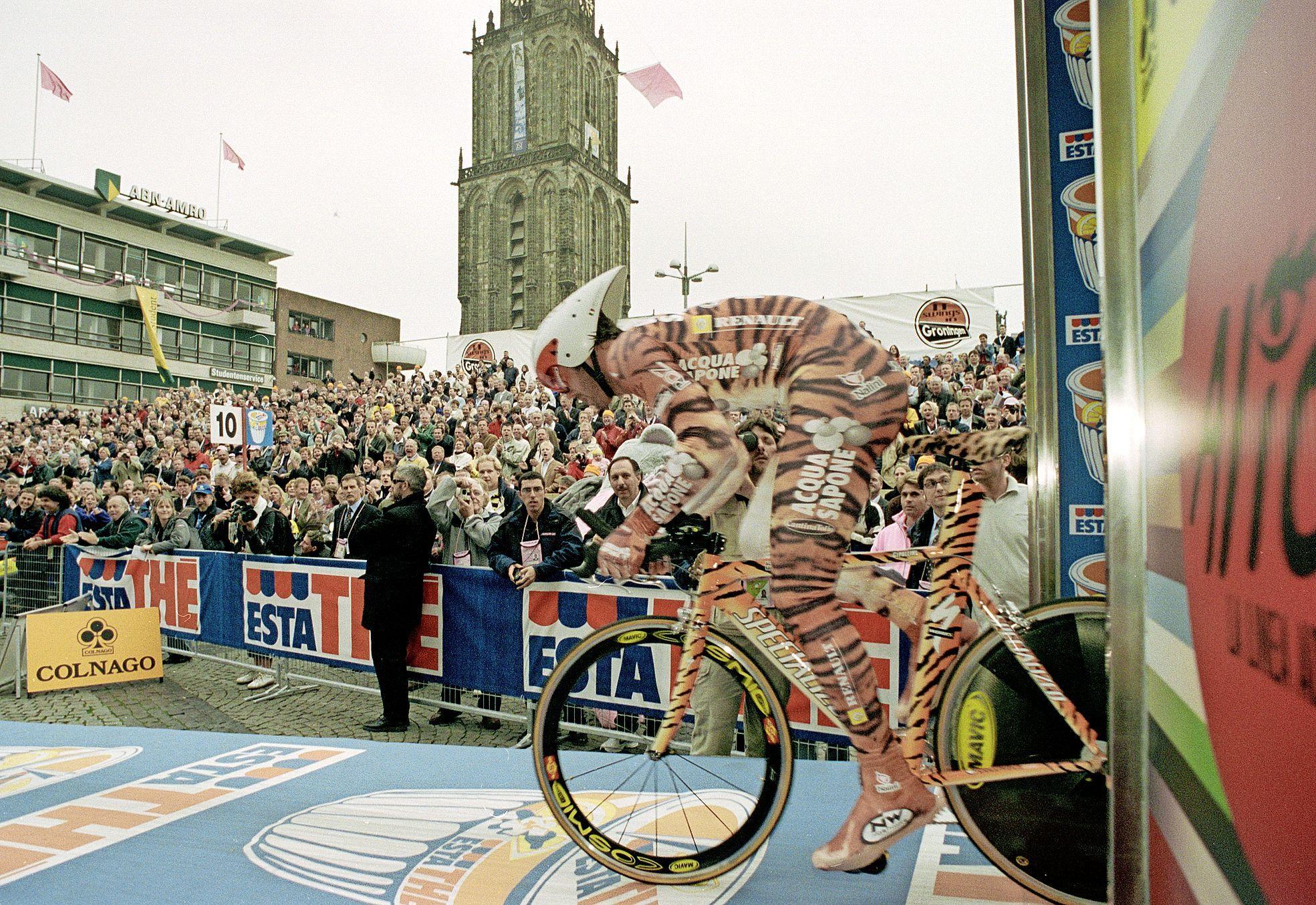 Vandaag in 2002: De Leeuwenkoning start in tijgerpak aan de Giro in Groningen
