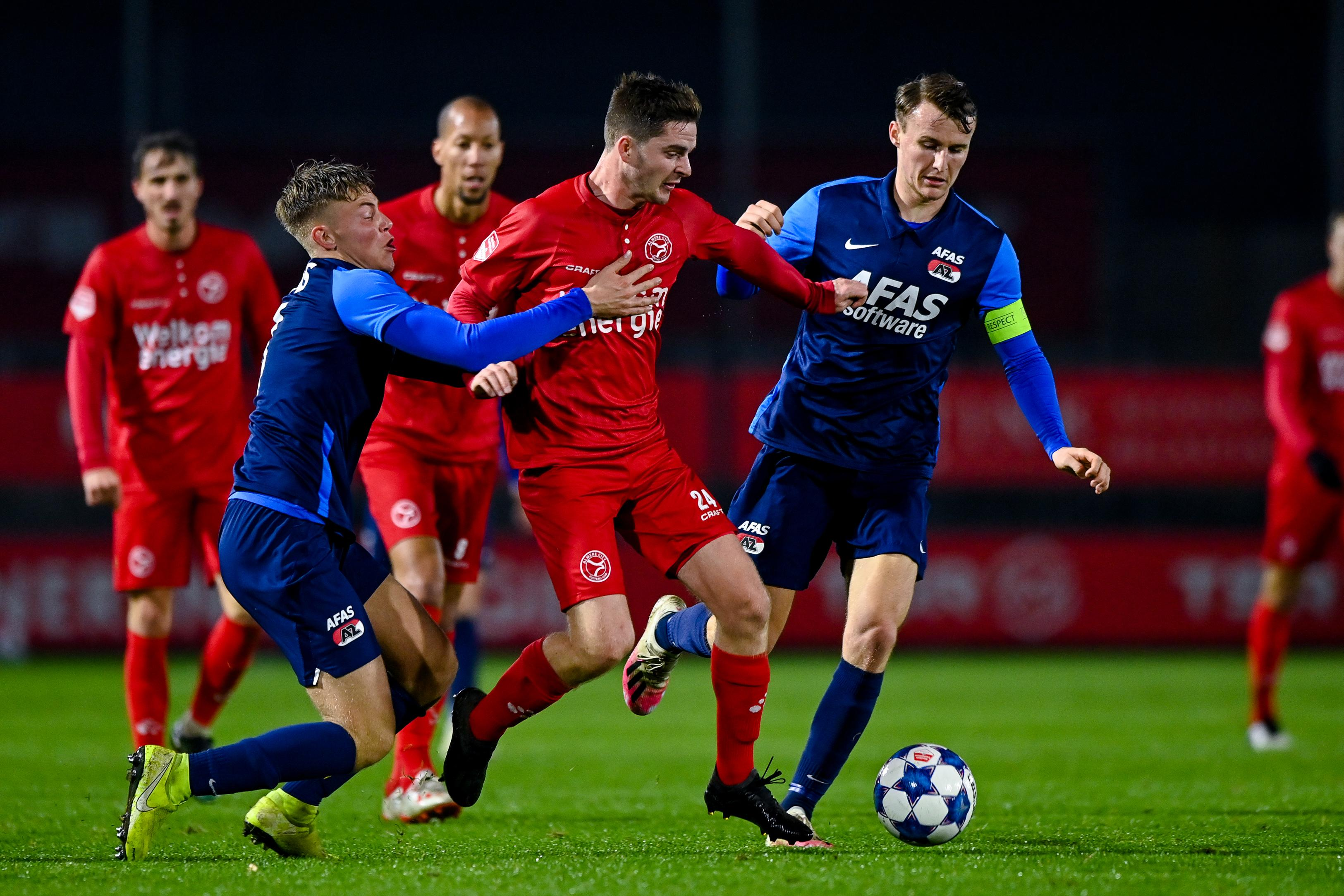 Heilooër Mees Kaandorp wil met Almere City de eredivisie in. 'Ik kan mezelf nog helemaal niet aan hem spiegelen, maar ik voetbal graag zoals Eden Hazard dat deed bij Chelsea'