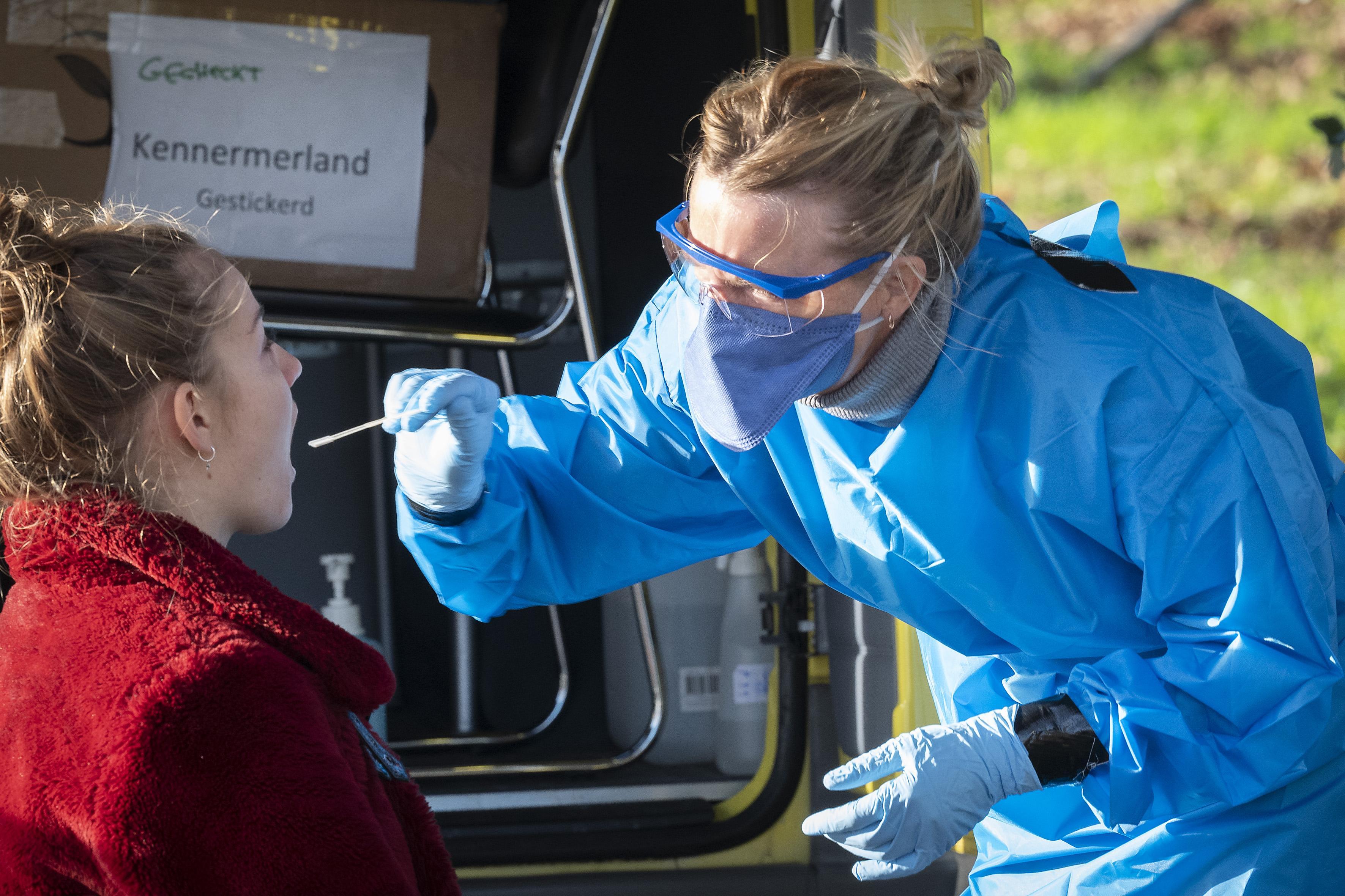 Coronacijfers donderdag: Over langere periode dalende trend zichtbaar in aantal besmettingen in Haarlem en omgeving