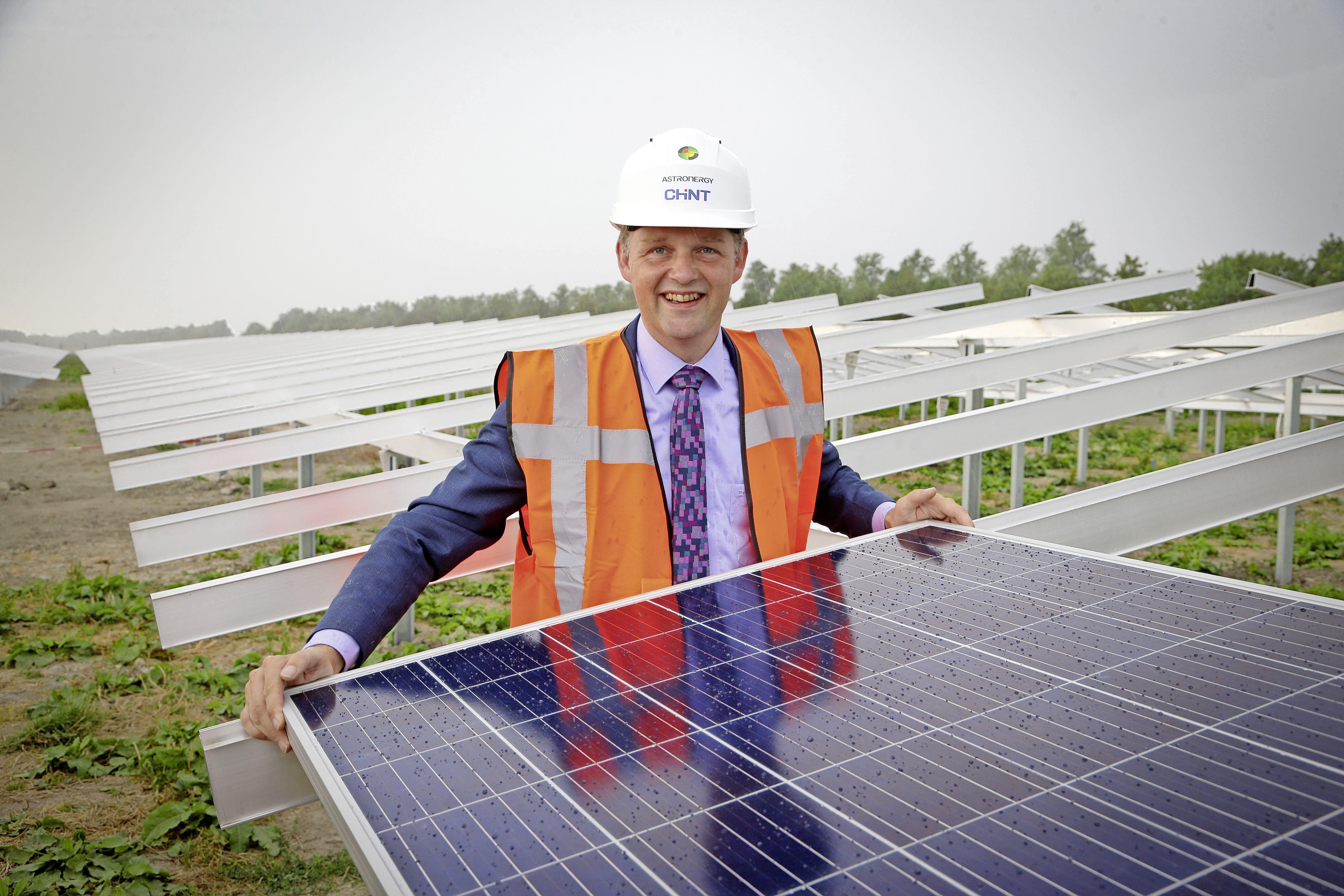 Raad Medemblik gaat zich uitspreken over plannen voor twee zonneparken in Zwaagdijk. 'Iedereen heeft een beetje water bij de wijn moeten doen'