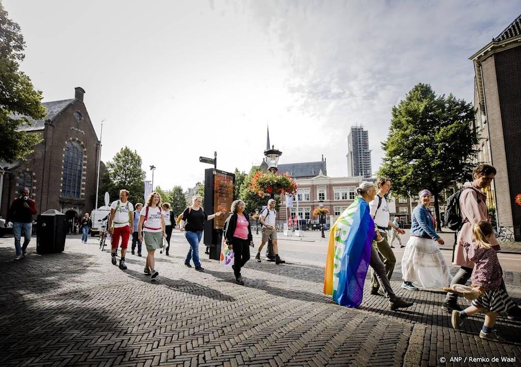 Pride-pelgrims aangekomen in Amsterdam