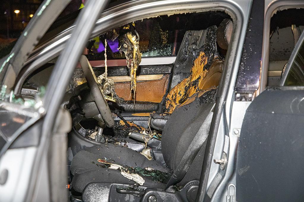 Persoon vlucht weg bij in brand gestoken auto aan Luxemburglaan Beverwijk