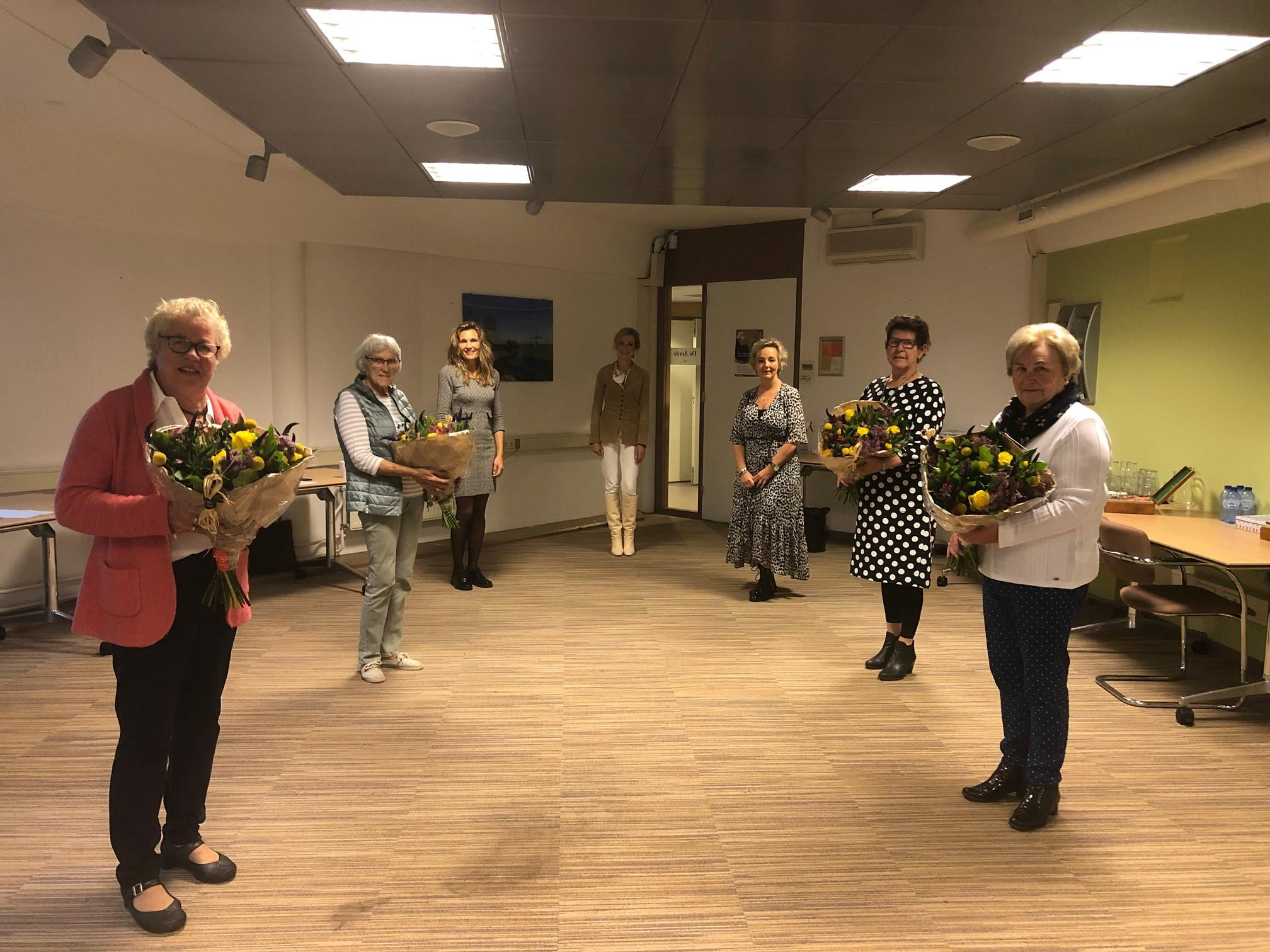 Corona houdt jubilerende West-Friese zorgvrijwilligers niet tegen: 'Ze missen het werk en de mensen enorm'