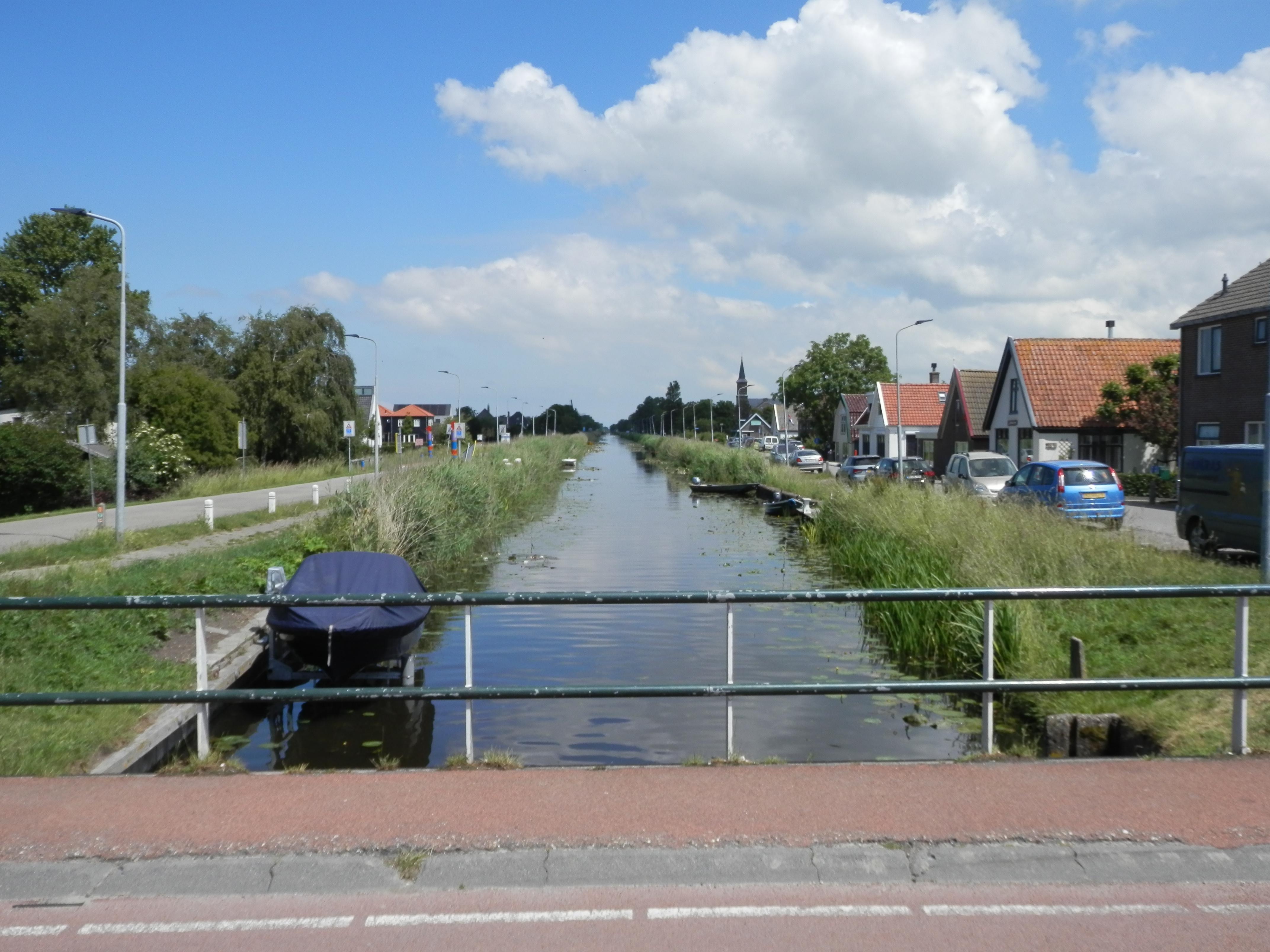 Verslaggever Piet van Dijk is na dertig jaar terug in Schagen en kijkt zijn ogen uit. 'Ik had verwacht dat de Markt nu wel eens autovrij zou zijn'