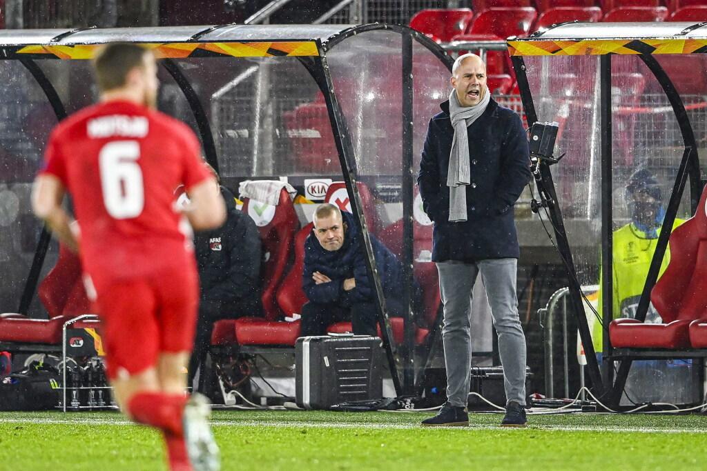 Trainer Arne Slot weggestuurd bij AZ na gesprekken met Feyenoord: 'Willen hoofdtrainer die gefocust is op AZ'