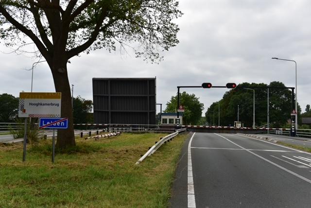 Wederom sluit de Hooghkamerbrug in Leiden niet. Het verkeer is de dupe. Dat staat muurvast