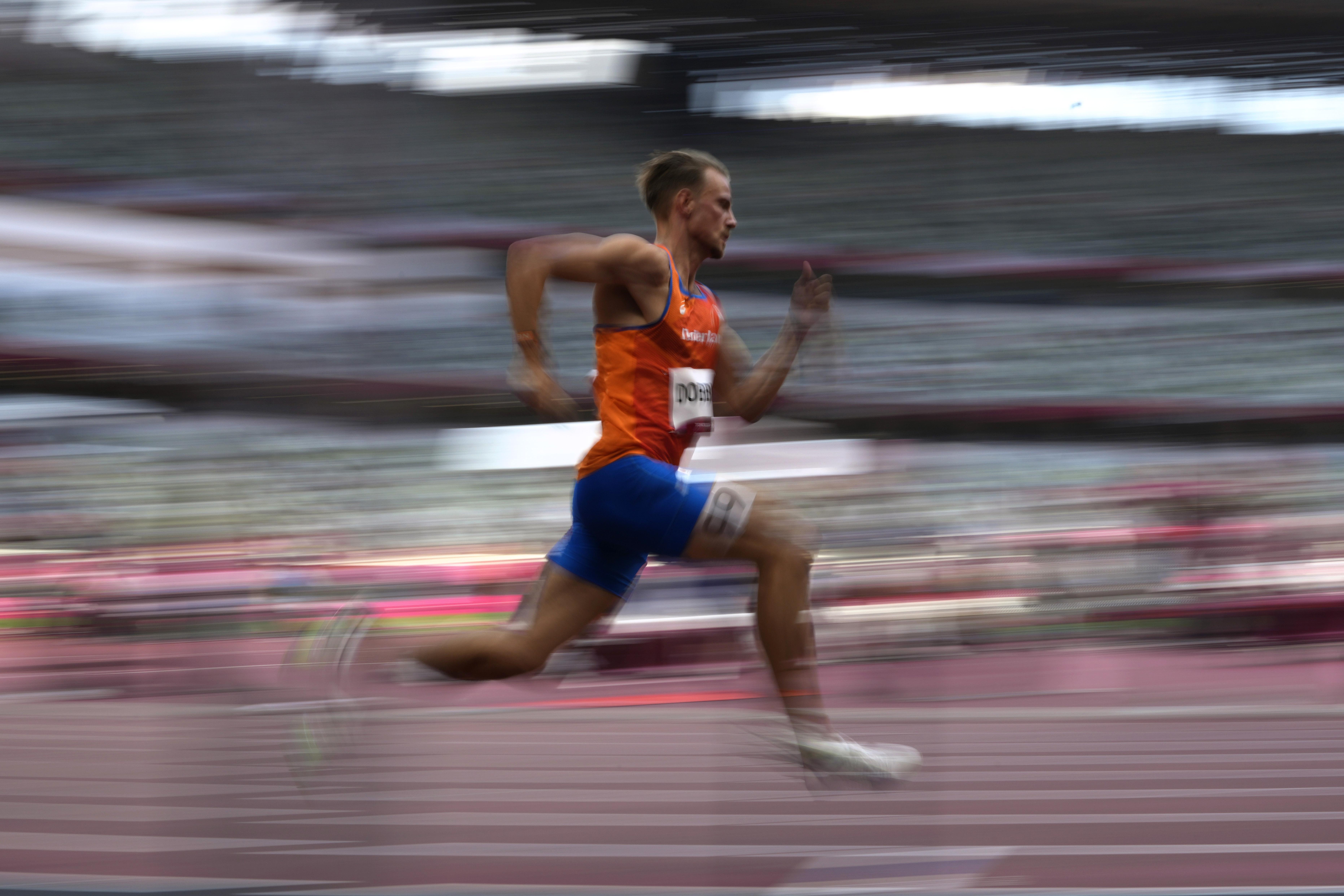 Atleten Dobber en Bonevacia naar halve finales 400 meter in Tokio