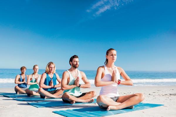 'Yoga in Concert' in Stadsschouwburg Velsen