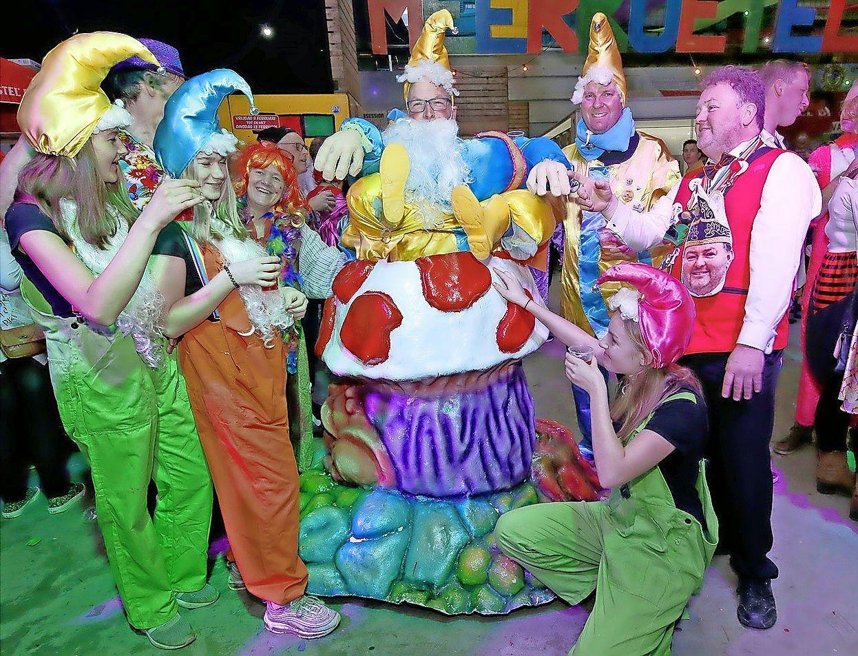 De Meerkoetelaars vieren dit weekend carnaval, alleen iets anders dan normaal