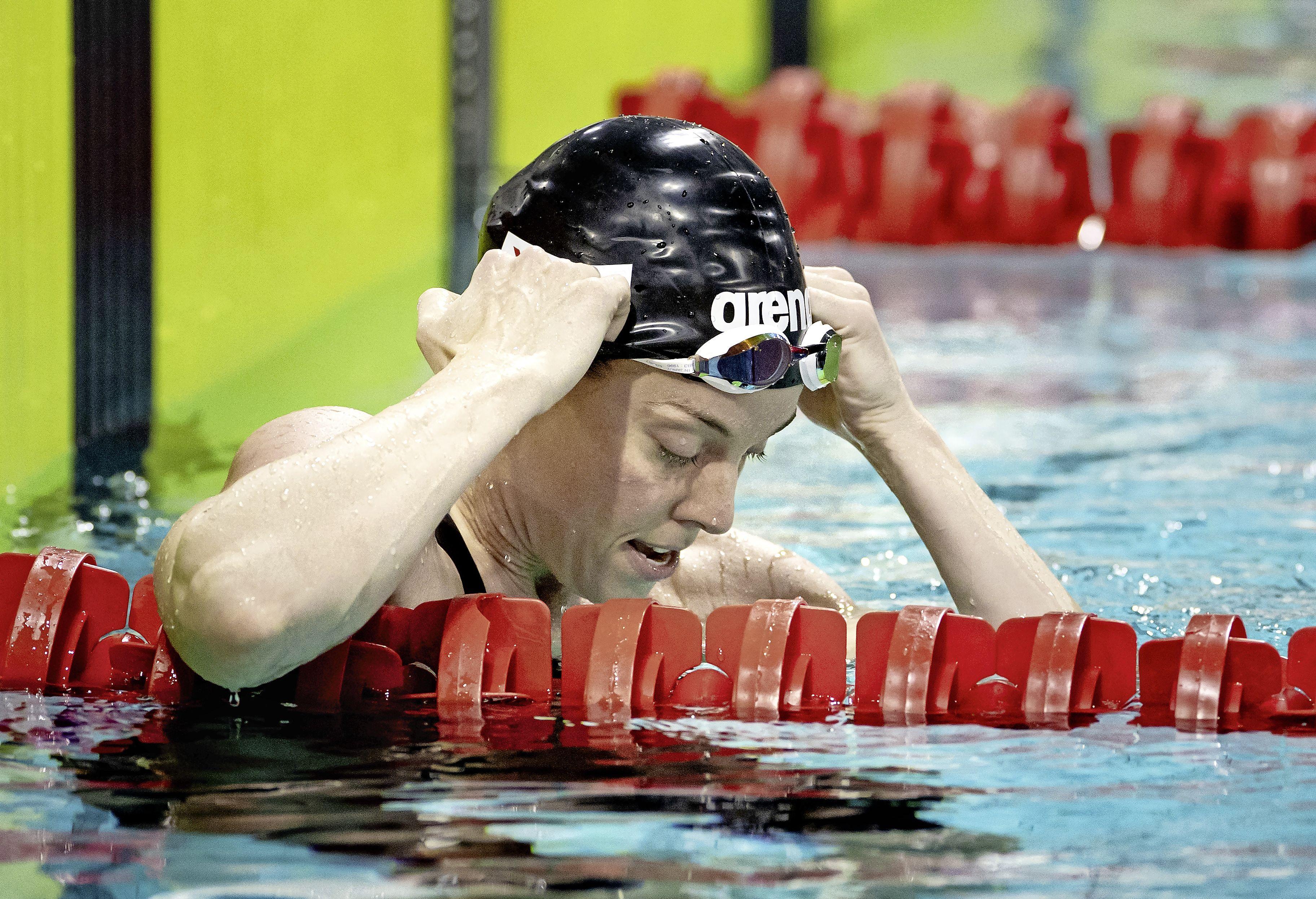 Zwemster Heemskerk overklast Van Roon in strijd olympisch ticket: tranen na persoonlijk record [video]