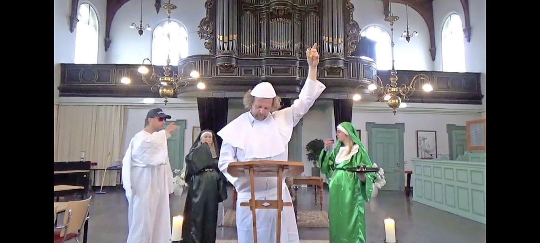 Kermis Berkhout ingezegend door Paus Parva Gregorius Lepus VII [video]