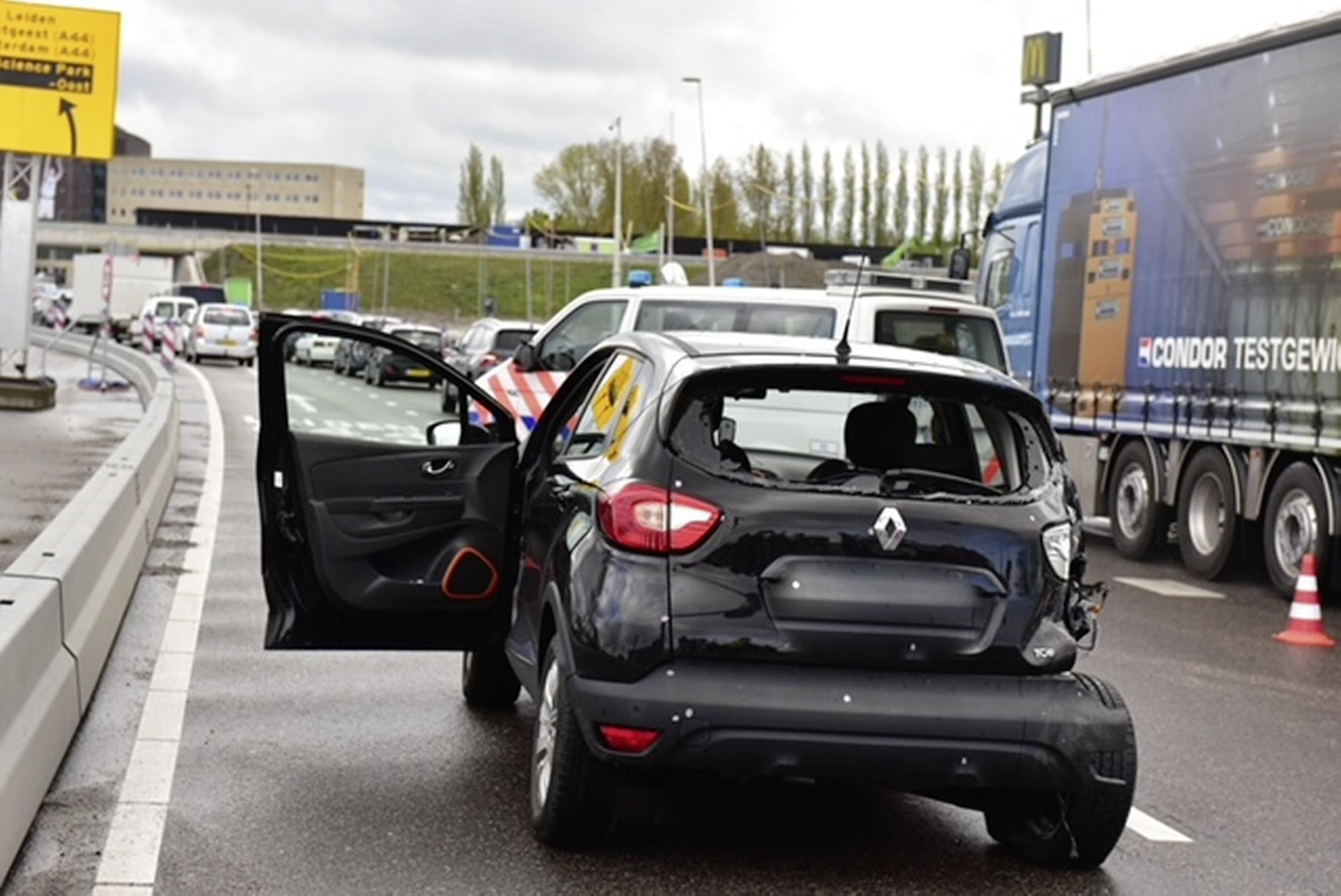 Gewonde bij botsing tussen camper en auto in Oegstgeest