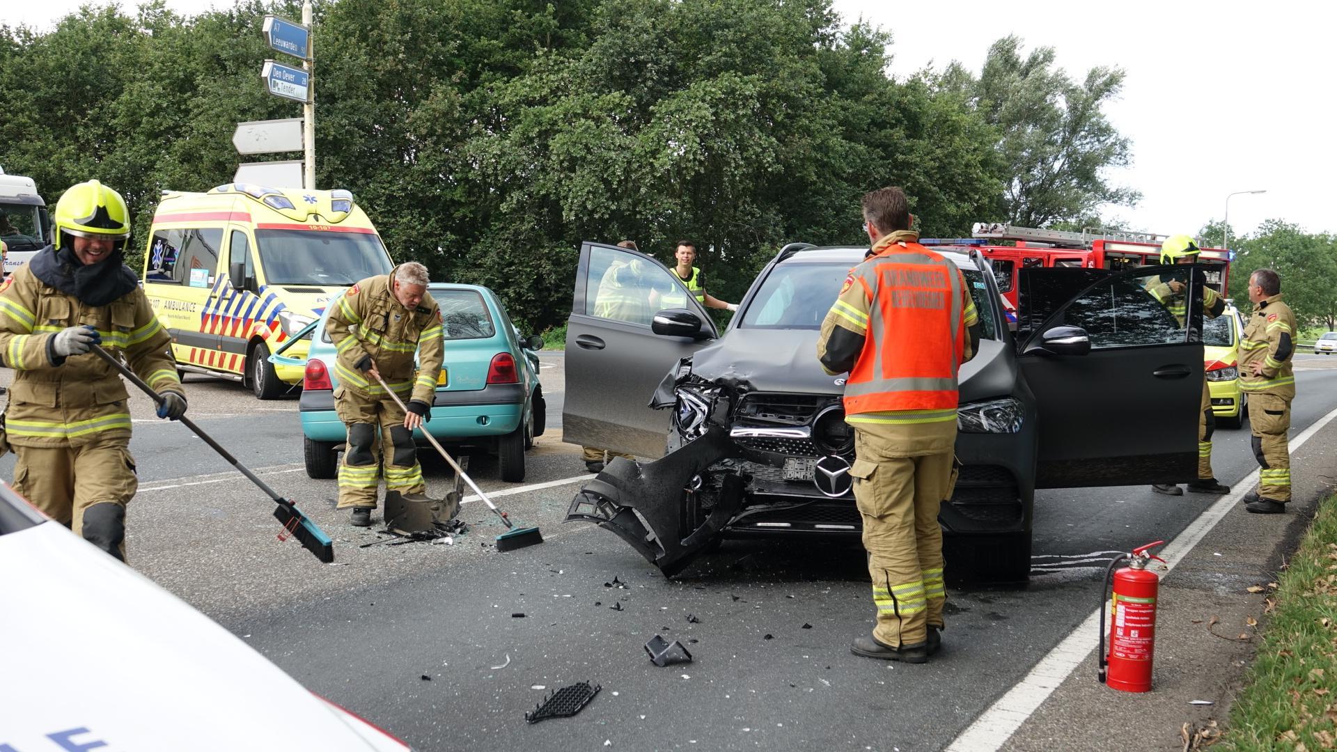 Automobilist zwaargewond bij frontale botsing in Wognum