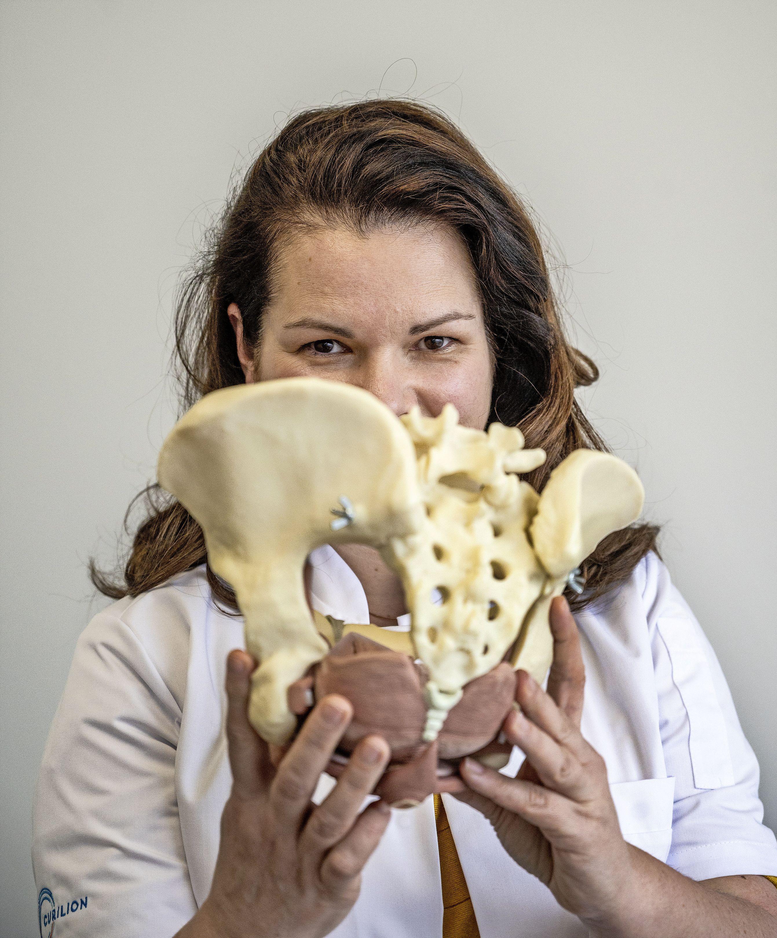 Chirurg Vera Rempe wil de anus uit de taboesfeer halen: 'Mensen blijven onnodig lang rondlopen met problemen'